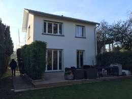 façade coté jardin, après : Maisons de style de style Minimaliste par Eric Rechsteiner