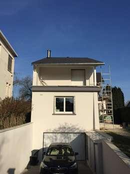 façade sur rue, en cours: Maisons de style de style Minimaliste par Eric Rechsteiner
