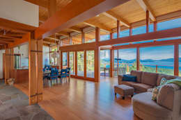 Arbutus House - Great Room: modern Living room by Helliwell + Smith • Blue Sky Architecture