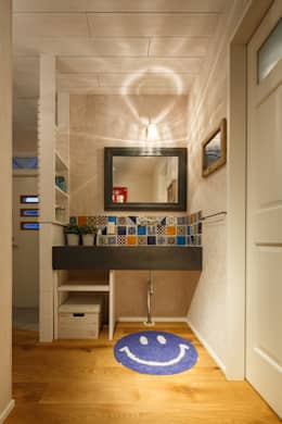 eclectic Bathroom by dwarf