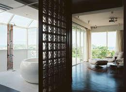 modern Bathroom by 鄭士傑室內設計