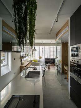 modern Kitchen by 鄭士傑室內設計