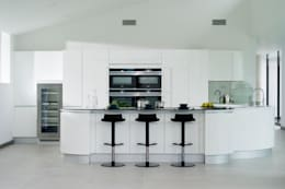 minimalistic Kitchen by Urban Myth
