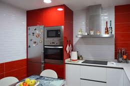 Projekty,  Kuchnia zaprojektowane przez Estudio de Cocinas Musa