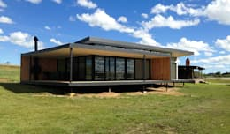 House Nel: modern Houses by Inizio homes