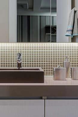 Baños de estilo  por TRÍADE ARQUITETURA
