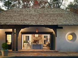 Pool House Exterior: country Pool by Christopher Architecture & Interiors