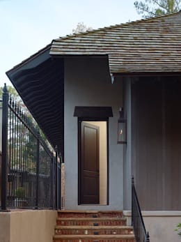 Exterior Detail: country Houses by Christopher Architecture & Interiors