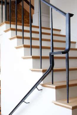 Lakefront Retreat:  Corridor & hallway by Christopher Architecture & Interiors
