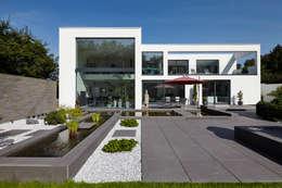 modern Houses by Lioba Schneider