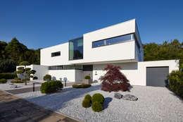 Casas de estilo moderno por Lioba Schneider
