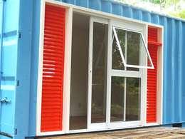 Ventanas de estilo  por Casa Container Marilia - Arquitetura em Container