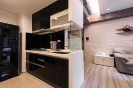 Кухни в . Автор – 你你空間設計