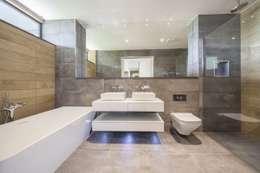 Wick Lane, Christchurch By Jigsaw Interior Design: modern Bathroom by Jigsaw Interior Architecture