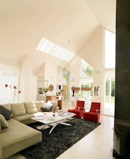 Award winning contemporary house in Co Antrim: modern Living room by Jane D Burnside Architects