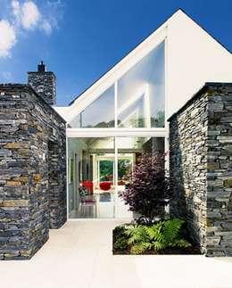 modern Houses by Jane D Burnside Architects