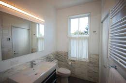 Adelphi Street: modern Bathroom by SA-DA Architecture