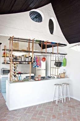 modern Kitchen by Juan Carlos Loyo Arquitectura