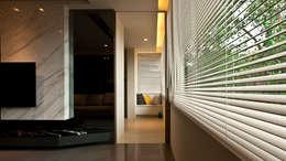 Corridor & hallway by 璞碩室內裝修設計工程有限公司