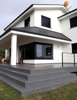 บ้านและที่อยู่อาศัย by Intra Arquitectos