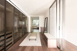 Dressing up: modern Dining room by Sensearchitects Limited