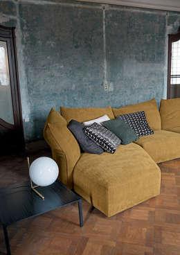 Salon de style de style Classique par IQ Furniture