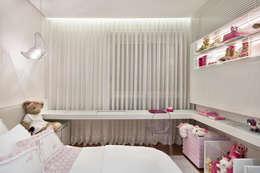 modern Nursery/kid's room by Alessandra Contigli Arquitetura e Interiores