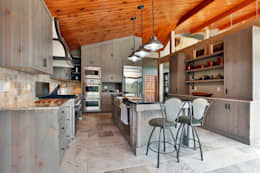 Lake of the woods cottage interiors: modern Kitchen by Unit 7 Architecture
