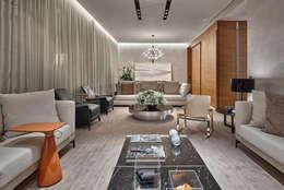 غرفة المعيشة تنفيذ Alessandra Contigli Arquitetura e Interiores