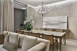 غرفة السفرة تنفيذ Alessandra Contigli Arquitetura e Interiores
