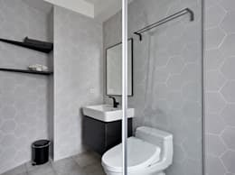 modern Bathroom by 寬度 空間設計整合