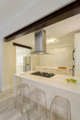 Projekty,  Kuchnia zaprojektowane przez Deborah Garth Interior Design