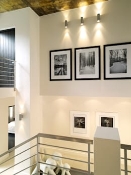 Pasillos y recibidores de estilo  por Deborah Garth Interior Design