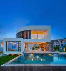 Projekty, śródziemnomorskie Domy zaprojektowane przez GESTEC. Arquitectura & Ingeniería