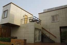 Khách sạn by 貳工箱造 H2 Box Design