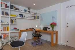 Apto Cll 62 - Cr 4 : Estudios y despachos de estilo moderno por Bloque B Arquitectos