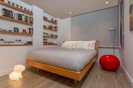 Dormitorios de estilo  por Bloque B Arquitectos