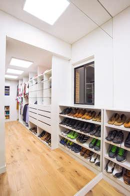 Vestidores y placares de estilo moderno por Bloque B Arquitectos
