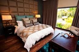 Master Bedroom: modern Bedroom by De Oliveira Designs