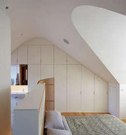 Projekty,  Sypialnia zaprojektowane przez Knox Bhavan Architects