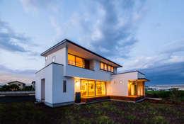 Casas de estilo escandinavo por STaD(株式会社鈴木貴博建築設計事務所)