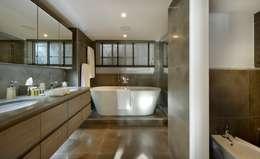 modern Bathroom by MN Design