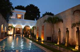 Casa 56: Casas de estilo colonial por Workshop, diseño y construcción