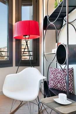 Salas de estar modernas por Markham Stagers