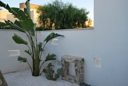 Ingresso Zen: Giardino in stile in stile Moderno di Arch. STEFANELLI Gabriella