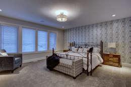 57 Paintbrush Park: modern Bedroom by Sonata Design