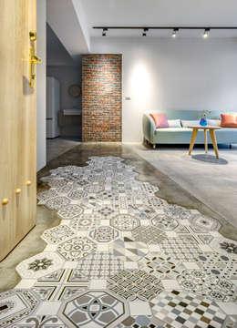 二手屋的小清新旅程:  走廊 & 玄關 by 磨設計