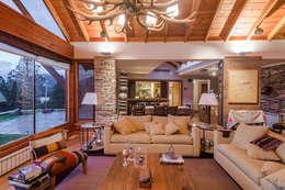 Vivienda Unifamiliar: Livings de estilo moderno por Sidoni&Asoc