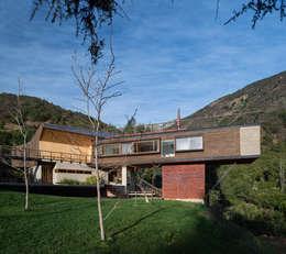 Casas de estilo moderno por GITC