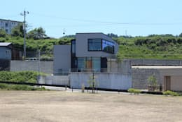 野田の家: MAG + 宮徹也建築計画が手掛けたインテリアランドスケープです。